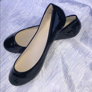 NWOT black Covington Avanti Ballet Flats